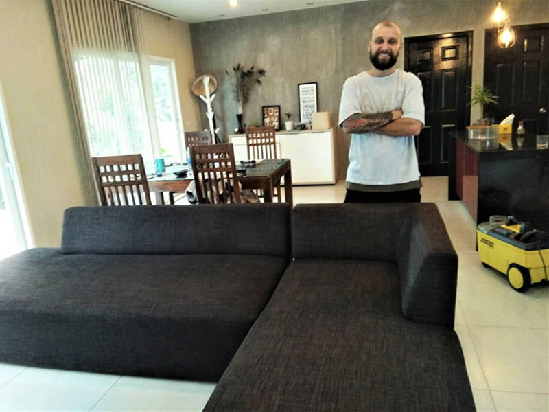 Dry cleaning of sofas & armchair