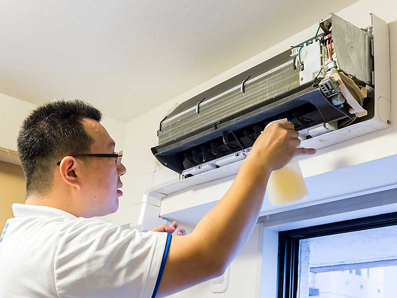 air-conditioners-cleaning-1