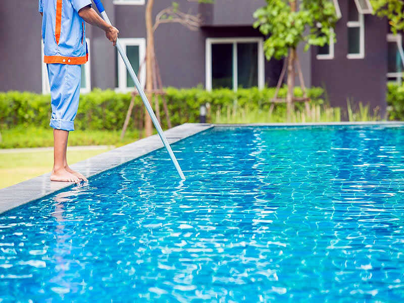 pool-cleaning-2
