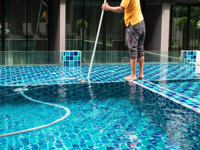 pool-cleaning-3