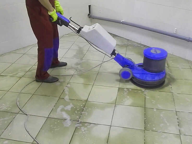 pool-cleaning-4